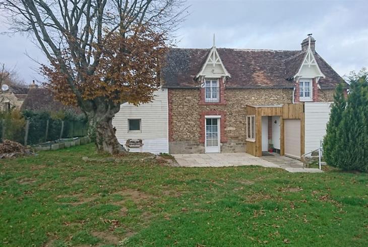 vente maison conde sur sarthe maison en pierre avec dependance et terrain a vendre peripherie. Black Bedroom Furniture Sets. Home Design Ideas