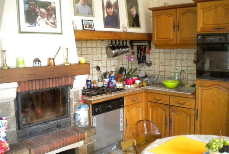 vente fermette neuville sur sarthe fermette a vendre neuville sur sarthe proche. Black Bedroom Furniture Sets. Home Design Ideas