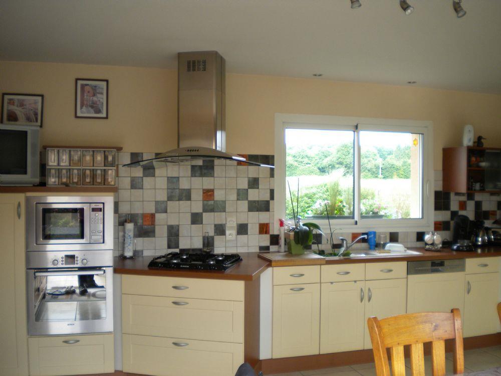 vente pavillon neuville sur sarthe propri t a vendre neuville sur sarthe proche. Black Bedroom Furniture Sets. Home Design Ideas