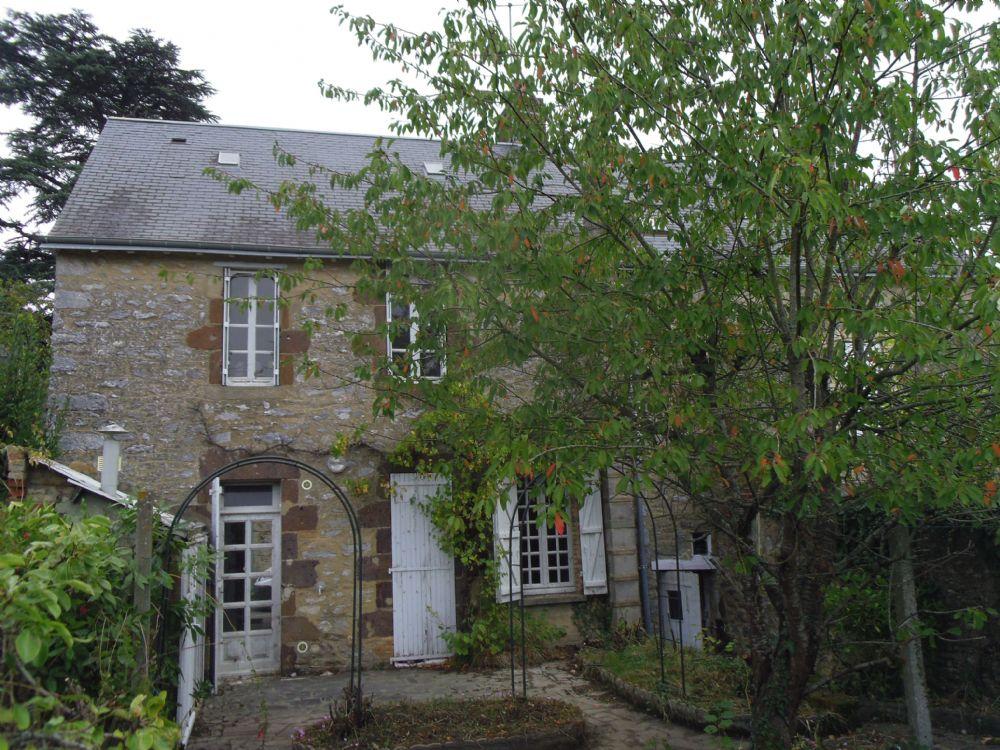 Vente maison fresnay sur sarthe 2 maisons avec garage et for Maison et jardin