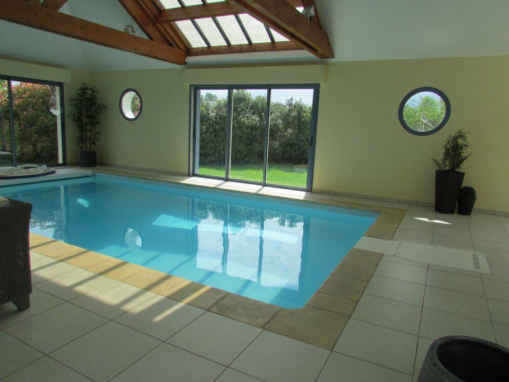 Vente demeure alen on propriete avec piscine couverte et for Prix d une piscine couverte