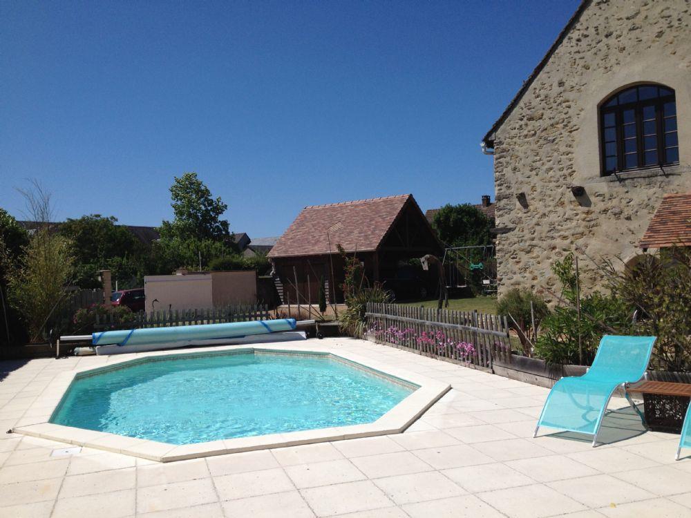 vente demeure le mans demeure ancienne avec piscine a vendre au sud du mans. Black Bedroom Furniture Sets. Home Design Ideas